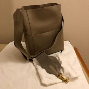 Medium Sangle Bucket Beige leather bag Dune